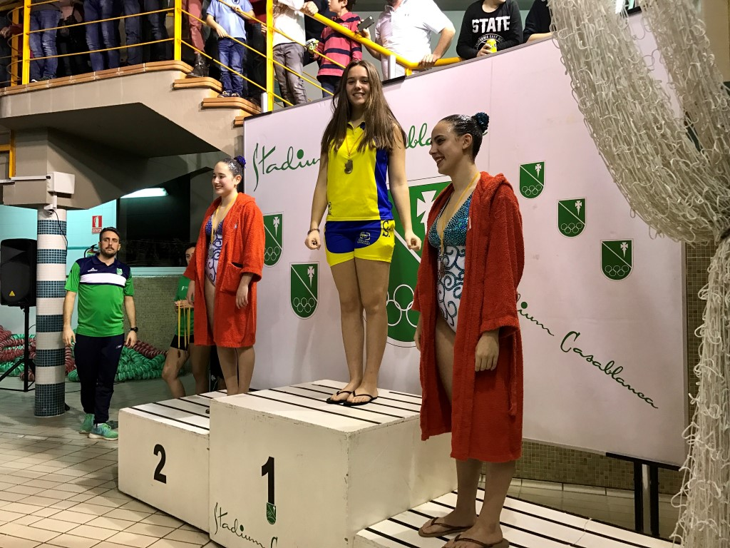 podium Ana Puy Medium